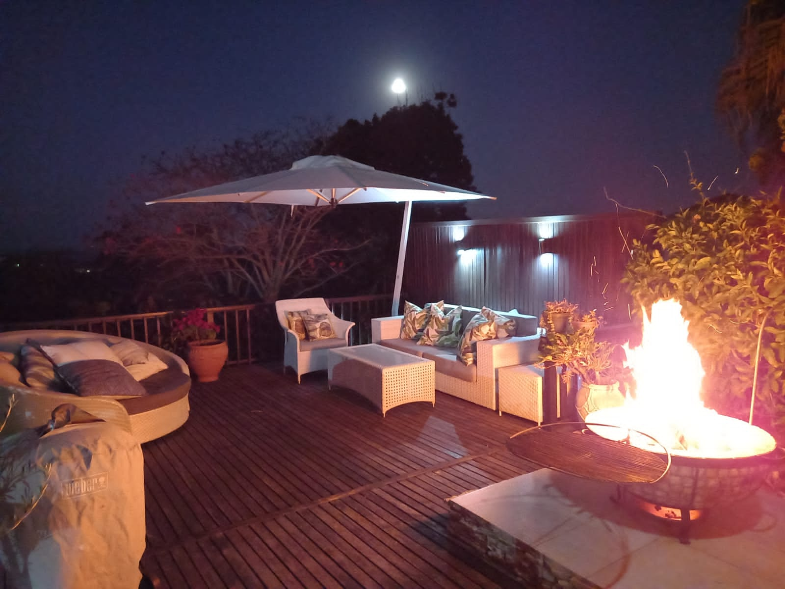 Outdoor furniture and BBQ