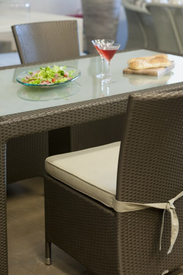 Malindi six seater dinning table with toughened glass inlay