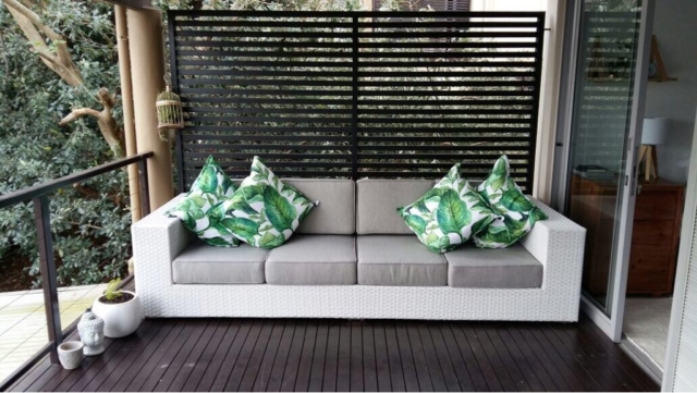 All weather, outdoor 4 seater sofa.